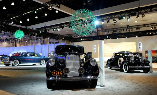 To illustrate its future lincoln honors its past for Lincoln motor car company