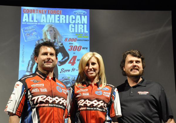 Crew chief Ron Douglas, driver Courtney Force, sponsor Mike Jenkins of Traxxas - Anne Proffit photo