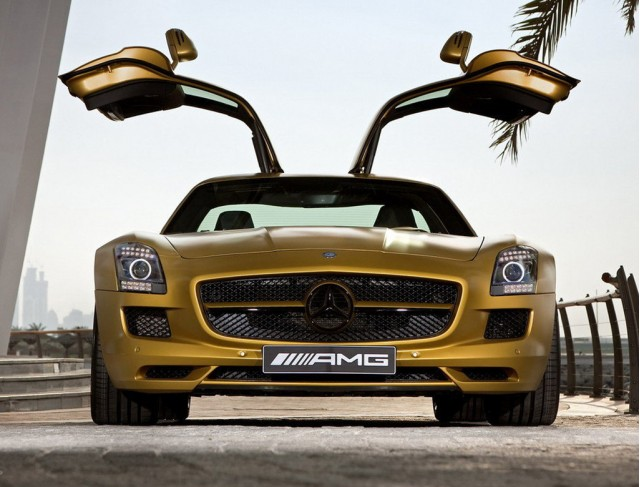 http://images.thecarconnection.com/med/desert-gold-2010-mercedes-benz-sls-amg_100300770_m.jpg