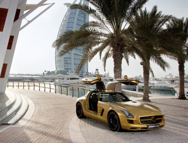 http://images.thecarconnection.com/med/desert-gold-2010-mercedes-benz-sls-amg_100300774_m.jpg