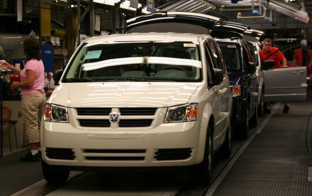 Chrysler To Extend Holiday Shutdown At Five Plants To Three Weeks