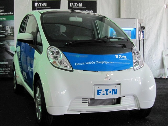 Job Training For Returning Vets Installing Electric Car
