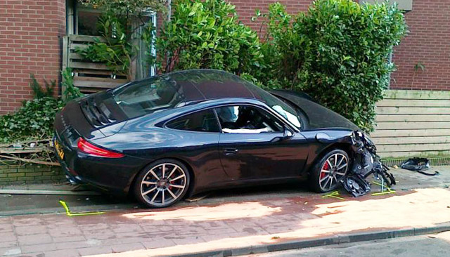 Photo And Video Of The First 2012 Porsche 911 Crash