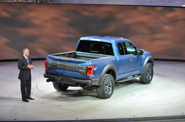 2017 ford f 150 raptor revealed with ecoboost v 6 and 10 speed auto gallery 1 motorauthority. Black Bedroom Furniture Sets. Home Design Ideas