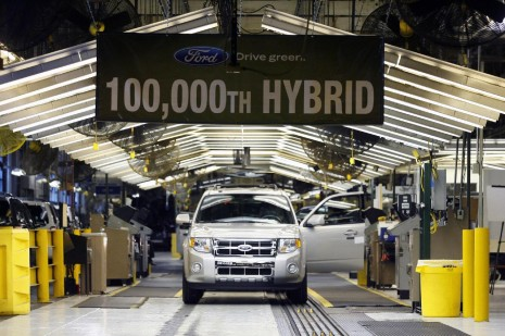 Ford's 100,000th hybrid rolls off the Kansas City assembly line in March 2009