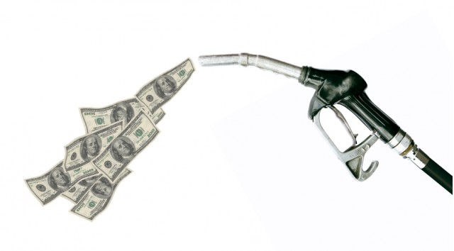 gas-pump-with-dollars_100311666_m