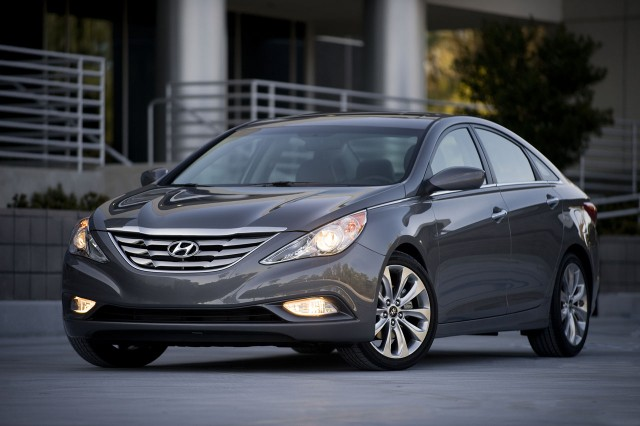 2011 Hyundai Sonata South Korean model shown #8391149