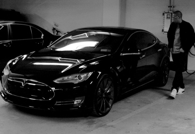 JayZ with Tesla Model S electric car, from Beyonce's ...