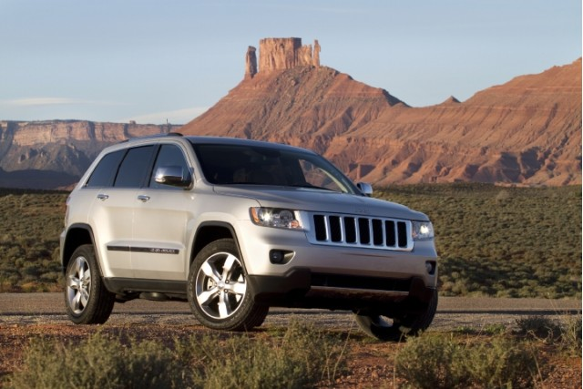2011 jeep grand cherokee now it gets personal mopar accessories flyer. Cars Review. Best American Auto & Cars Review