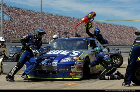 Jimmie Johnson's #48 during pitstop in 2008. Image via Hendrick Motorsports.