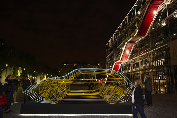 2010 Paris Auto Show: Wireframe street art by Yorgo Touplas #9803628