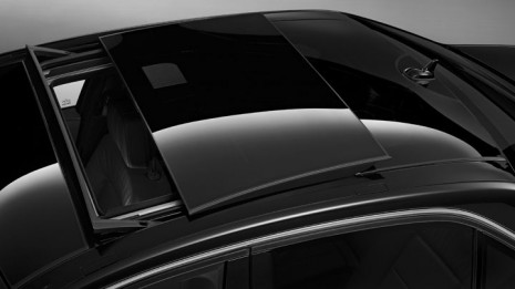 Mercedes-Benz panorama sunroof in E-Class
