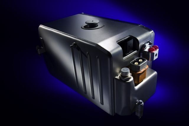 Who knew a car battery is the world 39 s most recycled product for Mercedes benz battery life