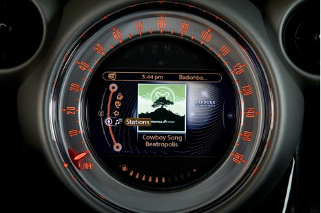 MINI Connected with Pandora