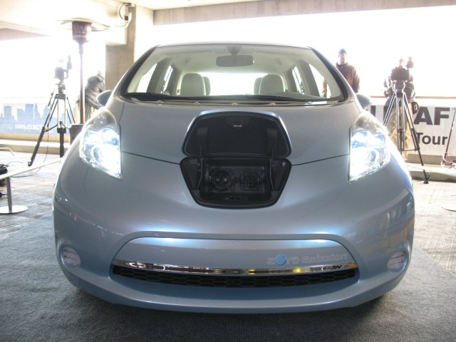 2010 Nissan New Mobility Concept #8573255