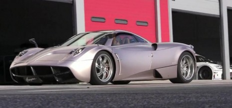 Pagani Huayra screams on track