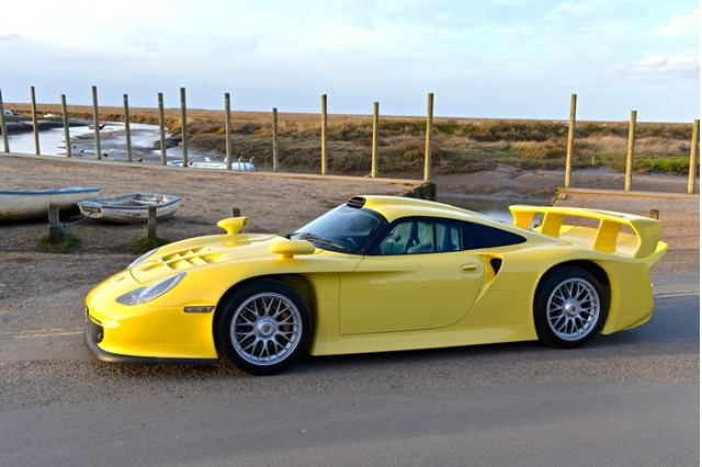 rare porsche 911 gt1 evo strassenversion for sale. Black Bedroom Furniture Sets. Home Design Ideas