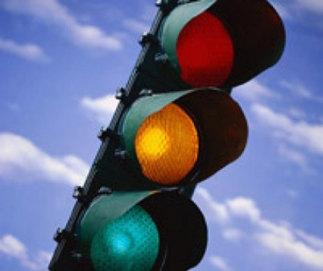 Study shows drivers in favor of red-light cameras.