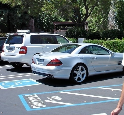Steve jobs back to parking benz sl illegally for Mercedes benz employment