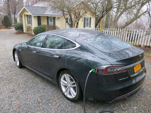 tesla model s battery life how much range loss for electric car over