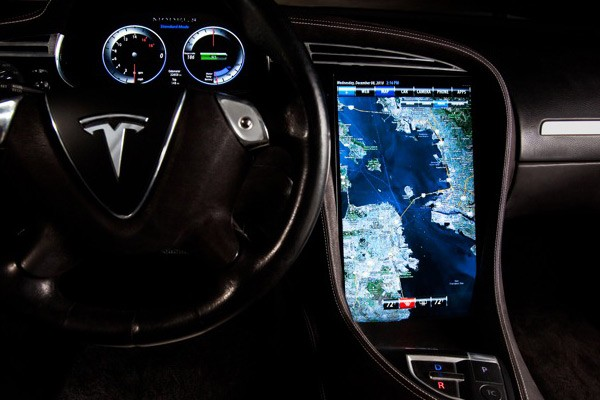 Tesla Model S Infotainment Screen
