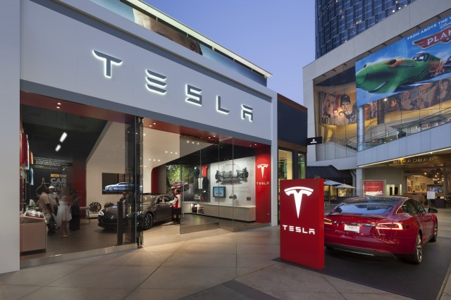 Tesla Store Los Angeles Photo Misha Bruk Mbh Architects