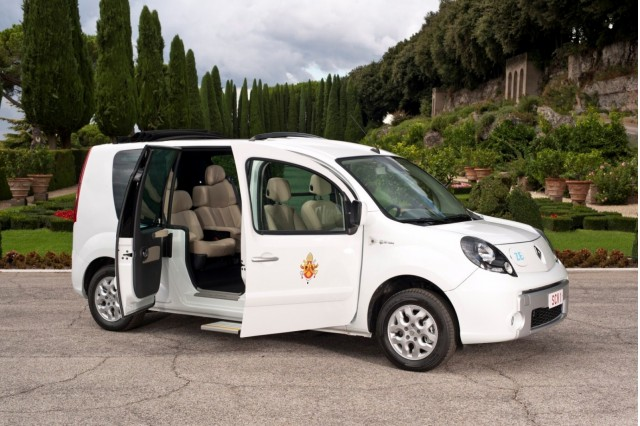 renault blesses pope benedict with a free electric car. Black Bedroom Furniture Sets. Home Design Ideas