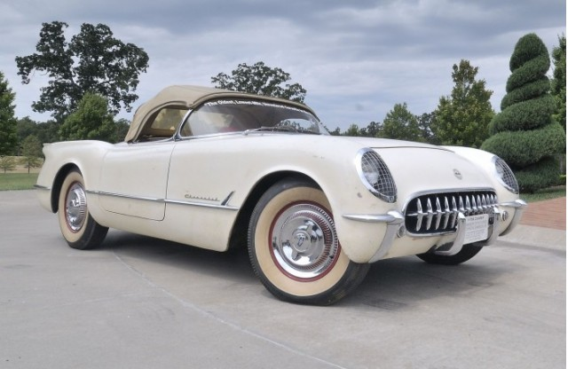 Time capsule 1954 Corvette - image: David Newhardt for Mecum Auctions