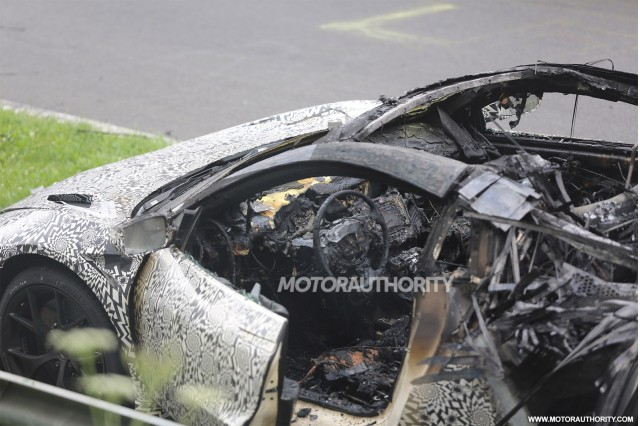 2015 - [Honda] NSX - Page 7 Wreckage-of-a-2016-acura-nsx-prototype-that-caught-fire_100473912_m
