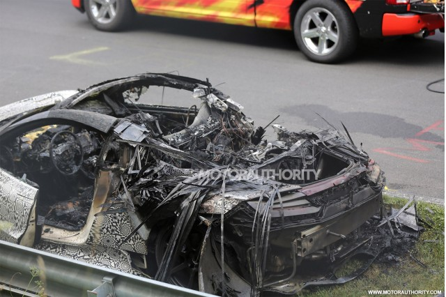 2015 - [Honda] NSX - Page 7 Wreckage-of-a-2016-acura-nsx-prototype-that-caught-fire_100473913_m