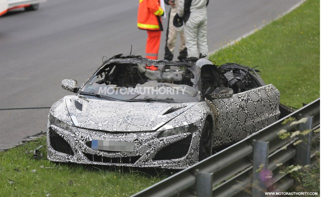 2015 - [Honda] NSX - Page 7 Wreckage-of-a-2016-acura-nsx-prototype-that-caught-fire_100473915_m