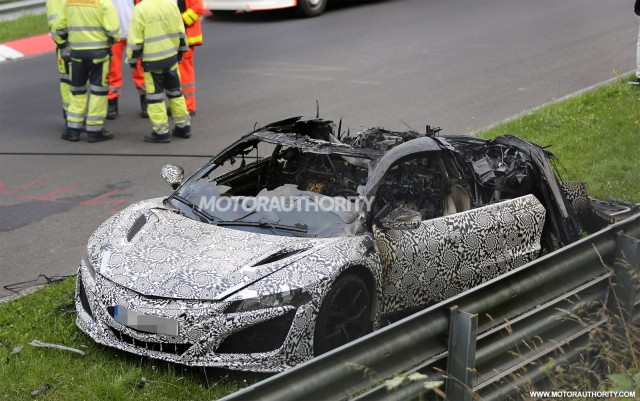 2015 - [Honda] NSX - Page 7 Wreckage-of-a-2016-acura-nsx-prototype-that-caught-fire_100473916_m