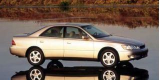 1999 Lexus ES 300 Luxury Sport Sedan Photo