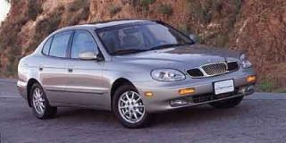 2000 Daewoo Leganza Photo