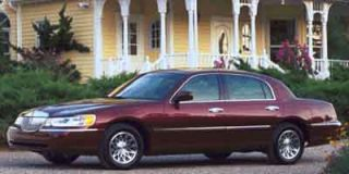 2001 Lincoln Town Car Photo