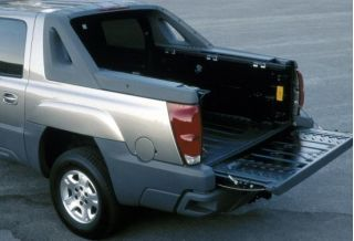 2002 Chevrolet Avalanche bed