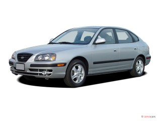 2004 Hyundai Elantra Photo
