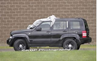 Spy Shots 2008 Jeep Liberty The Car Connection
