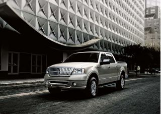 2008 Lincoln Mark LT Photo