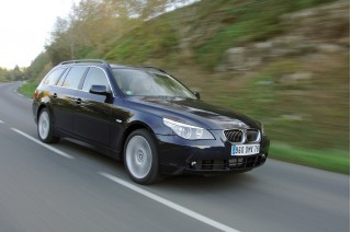 2010 BMW 5-Series Photo