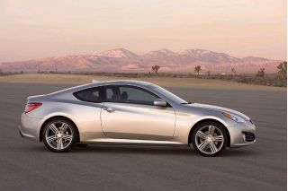 2010 Hyundai Genesis Coupe Photo