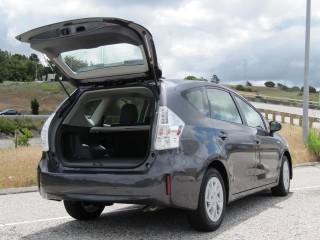 2012 toyota prius v station wagon first drive review. Black Bedroom Furniture Sets. Home Design Ideas