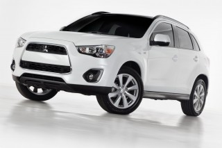 2013 Mitsubishi Outlander Sport Photo