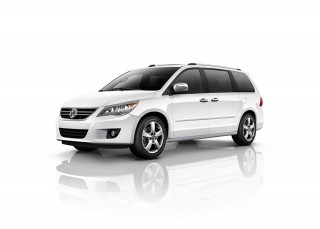 2013 Volkswagen Routan Photo