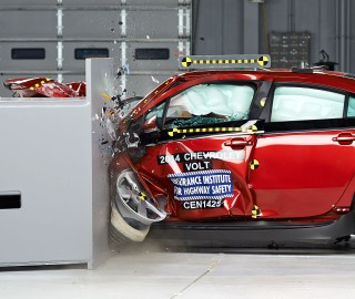 IIHS Tests Small Cars On Small Overlap: Volt Does OK, Leaf 'Struggle