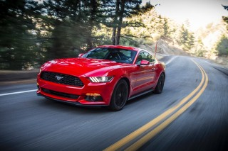 Fuel-Efficient Four-Cylinder Engine Key To 2016 Ford Mustang Sales Success