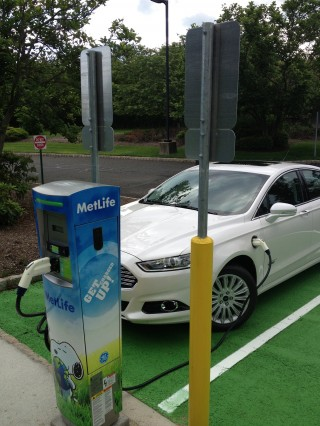 MetLife: Free Charging At Work For