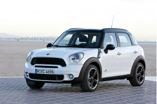 2011 MINI Cooper Countryman Photo