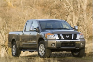 2010 Nissan Titan Photo