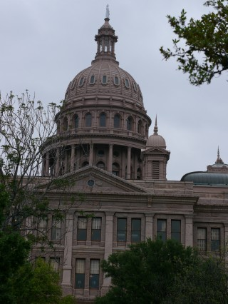 Tesla owners & supporters gather in Statehouse in Austin to support company [photo: John Griswell]